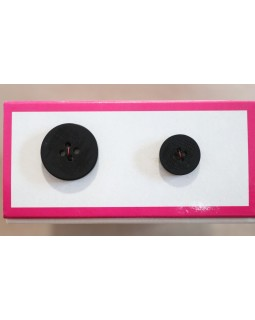 Гудзики для чоловічих костюмів на 4 отвори. Чорного кольору (14 mm і 20 mm).  Арт 139